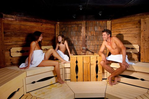 Sauna Benefits for the Whole Family Picture