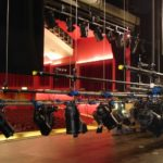 Use-stage-hoists-for-a-state-of-the-art-performance