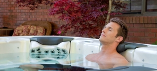 How does hydrotherapy work?